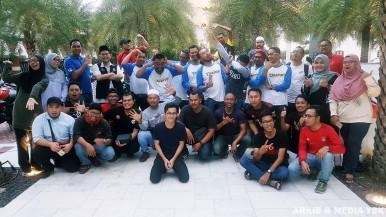 Bersama kumpulan